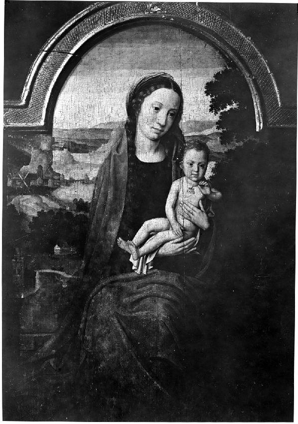 B113495 La Vierge avec l'Enfant Jésus tenant une pensée