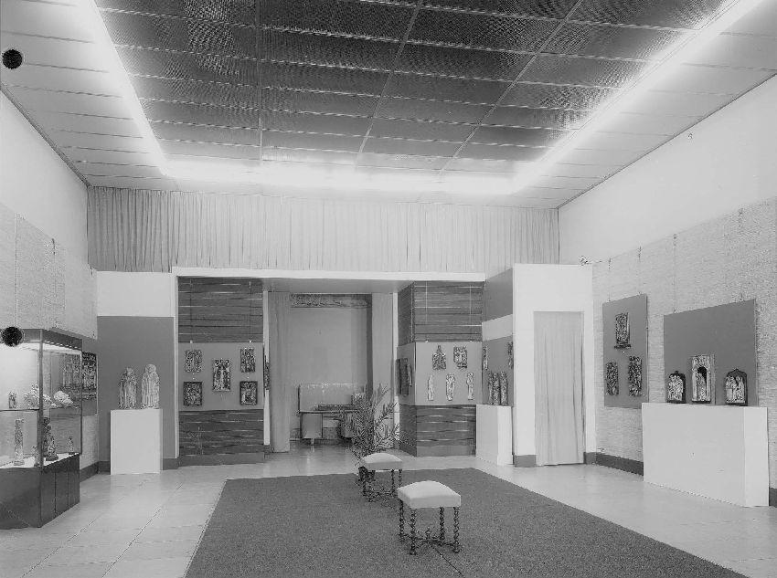 B210443 Exposition de Sculptures anglaises et malinoises d'albâtre