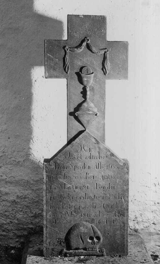 M017122 Croix funéraire  du curé Albert Spoden