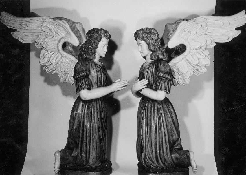 M092785 Anges adorateurs