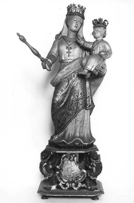 M093046 Vierge à l'Enfant avec globe et sceptre, Notre-Dame de Miséricorde