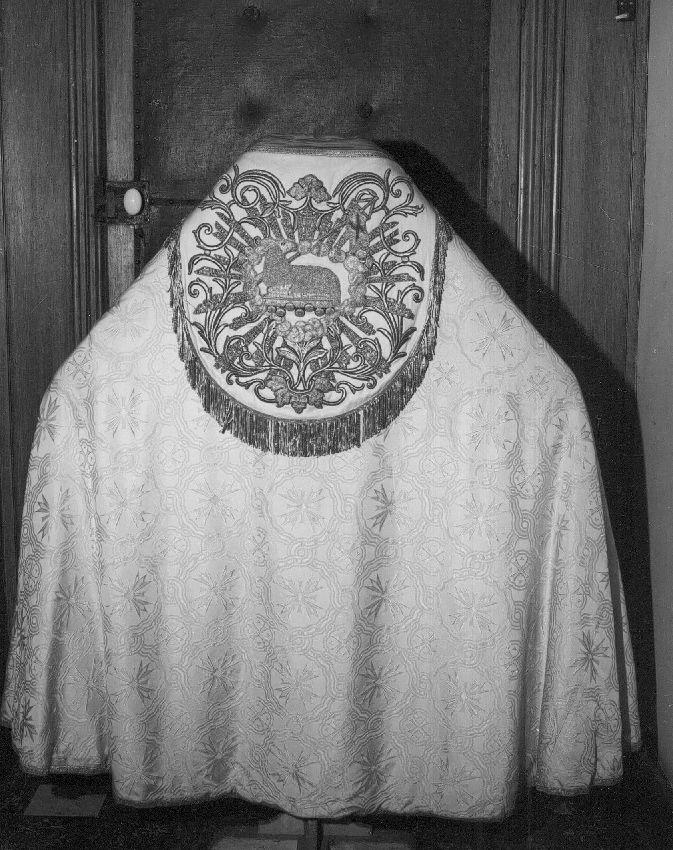 M265929 ornement liturgique blanc et jaune